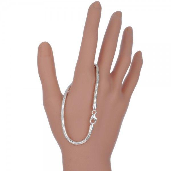 Zilveren snake chain armband van 3,2 mm breed en 19 of 20 cm lang.