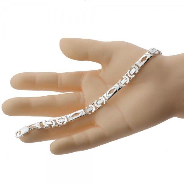 Zilveren konings armband van 8,5 mm breed met 3 platen in de vorm van een ruitje, 20 cm of 21,5 cm of 22,5 cm lang.