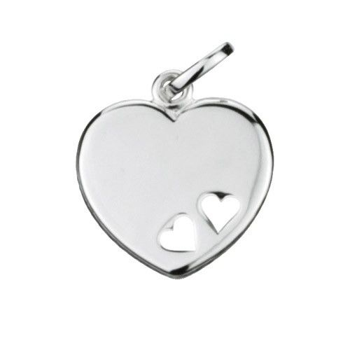 Massief zilveren graveerplaatje, groot model hartje met 2 uitgestanste hartjes. Afmetingen van dit hangertje: 18 x 20 mm. Inclusief gratis graveren.
